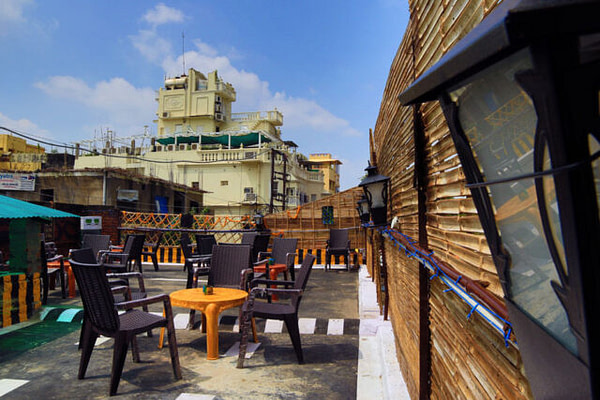Great Hangout Joints for Expats in Varanasi